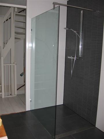 Inloopdouches glas op maat leverancier van gehard glas op maat gevestigd in utrecht - Decoratie van een kleine badkamer ...